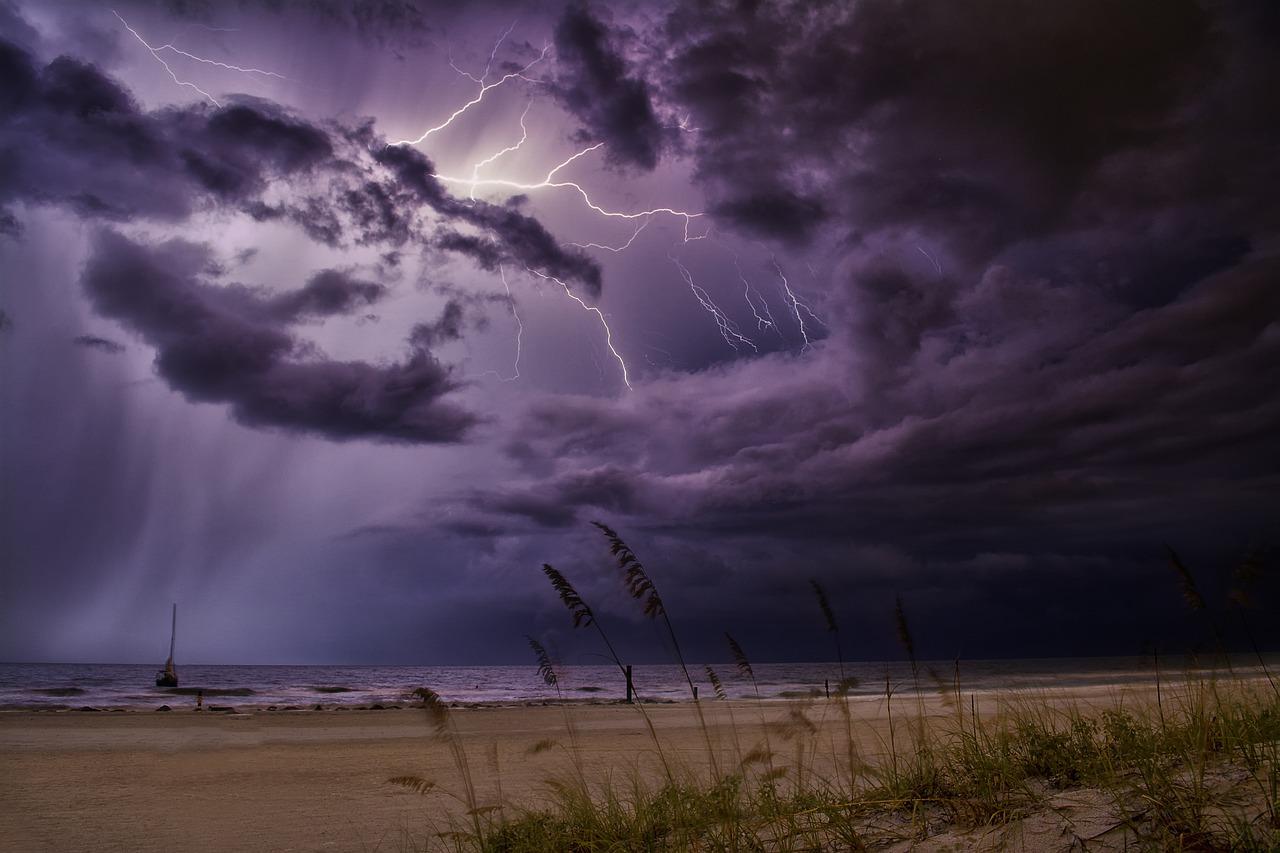 Рязанцев предупредили о дожде и граде