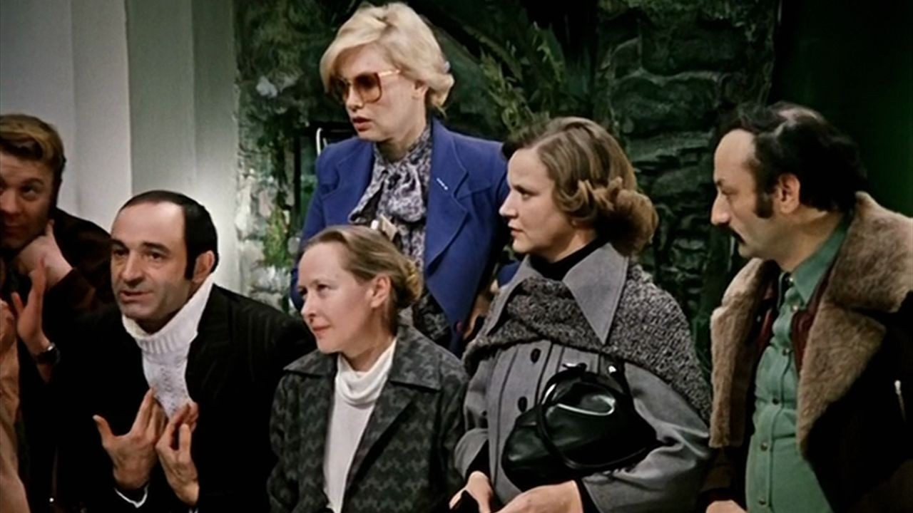 Устами киноперсонажей: как о деньгах говорили в советском кино