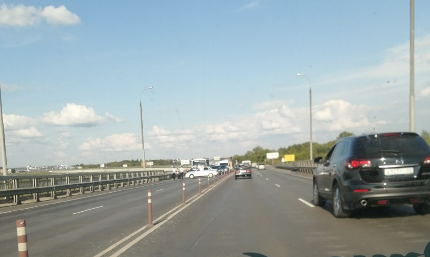 Мост через Оку в Рязани перекрыла полиция
