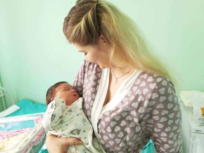 В Кемерове родилась девочка-богатырша