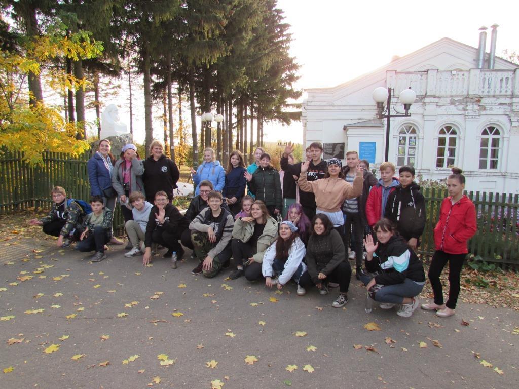 При поддержке РНПК школьники убрали мусор на территории музея Петра Семенова-Тян-Шанского