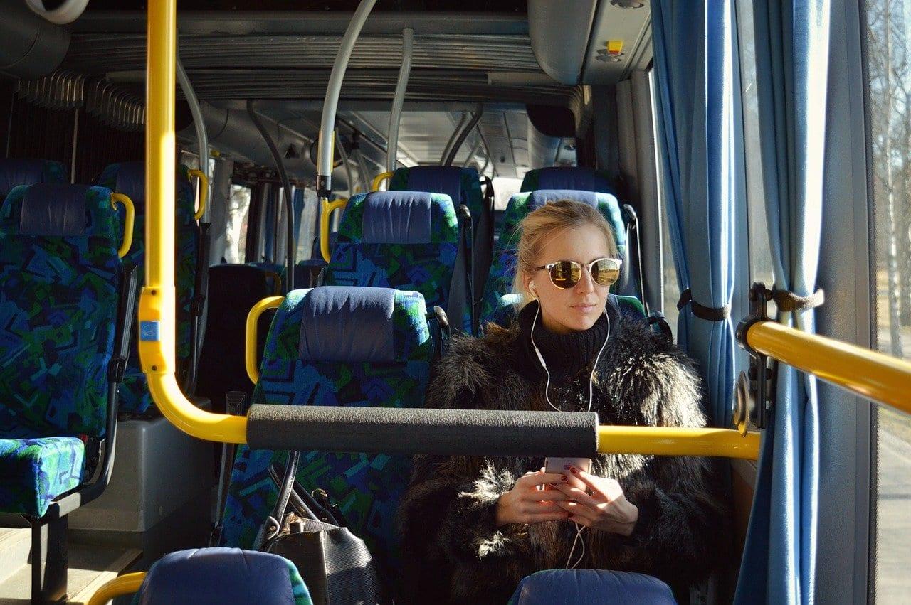 В Ярославле могут установить лимит на количество поездок в общественном транспорте по проездным